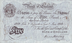 White Fiver 5 pound note